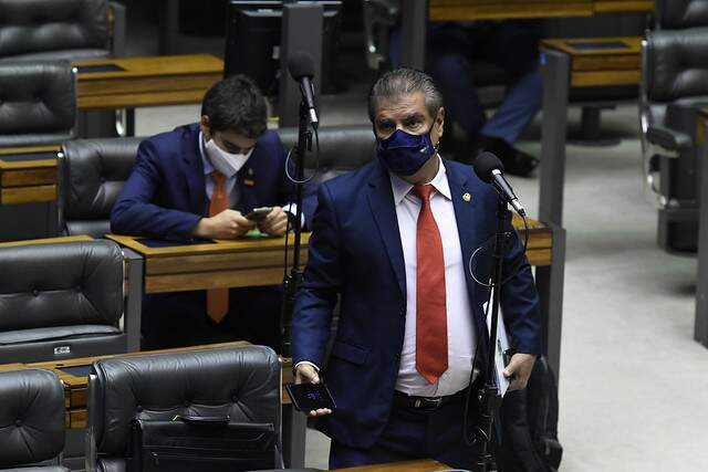 Senador Nelsinho Trad assinou moção e reforçou necessidade de ajuda internacional para pandemia do Brasil (Foto Agência Senado)
