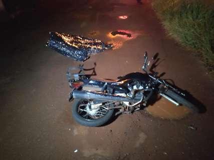 Amiga atropelou e matou homem que caiu da moto após bater em buraco