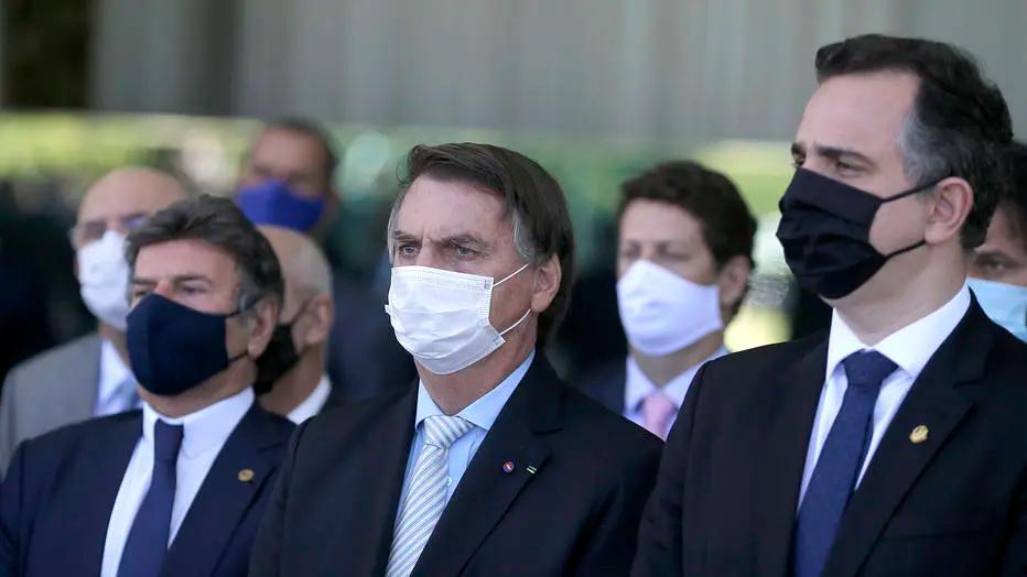 O presidente da República, Jair Bolsonaro, reunido com chefes de Poderes para tratar sobre a pandemia Foto: Dida Sampaio/Estadão