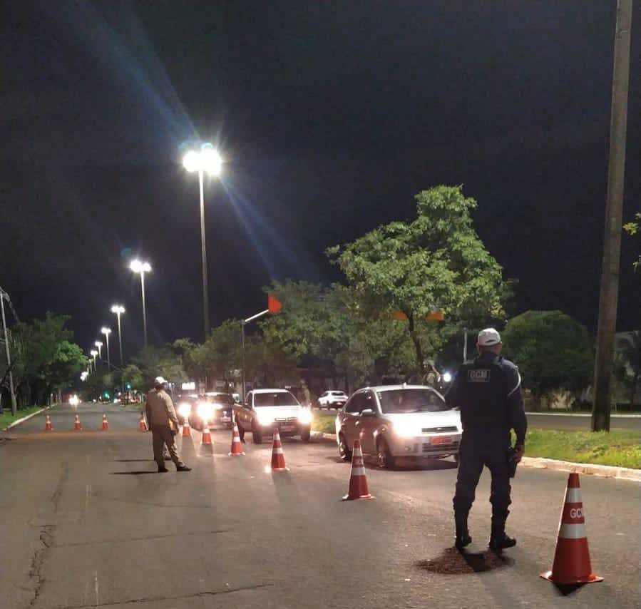 Guarda Municipal durante blitz em Campo Grande. (Foto: Divulgação)