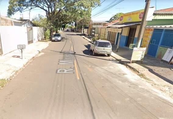 Caso aconteceu na Rua Miranda, na Vila Palmira, em Campo Grande. (Foto: Google street view)