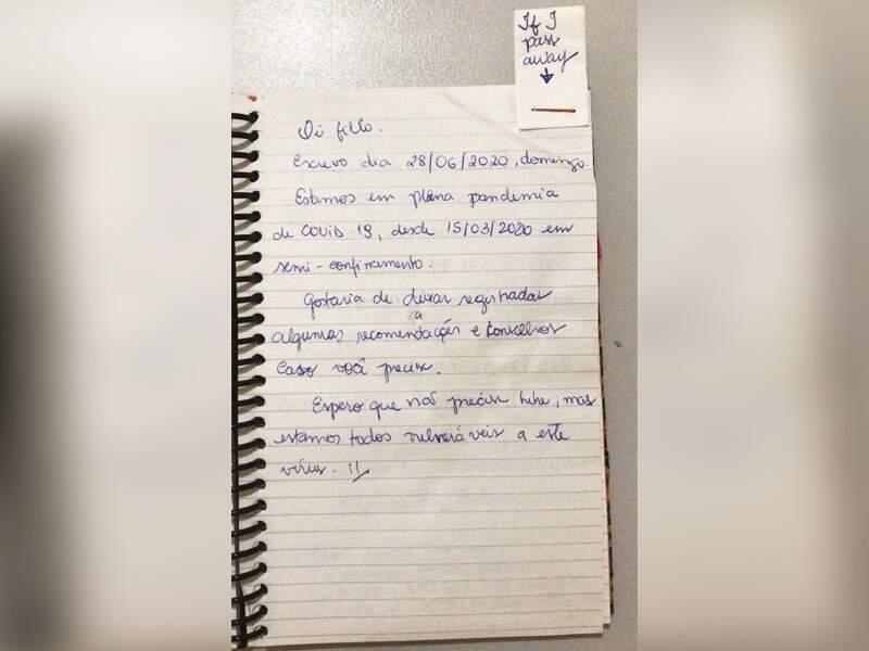 Recado que Ana deixou ao filho mais velho junto de anotações bancárias e instruções. (Foto: Arquivo Pessoal)