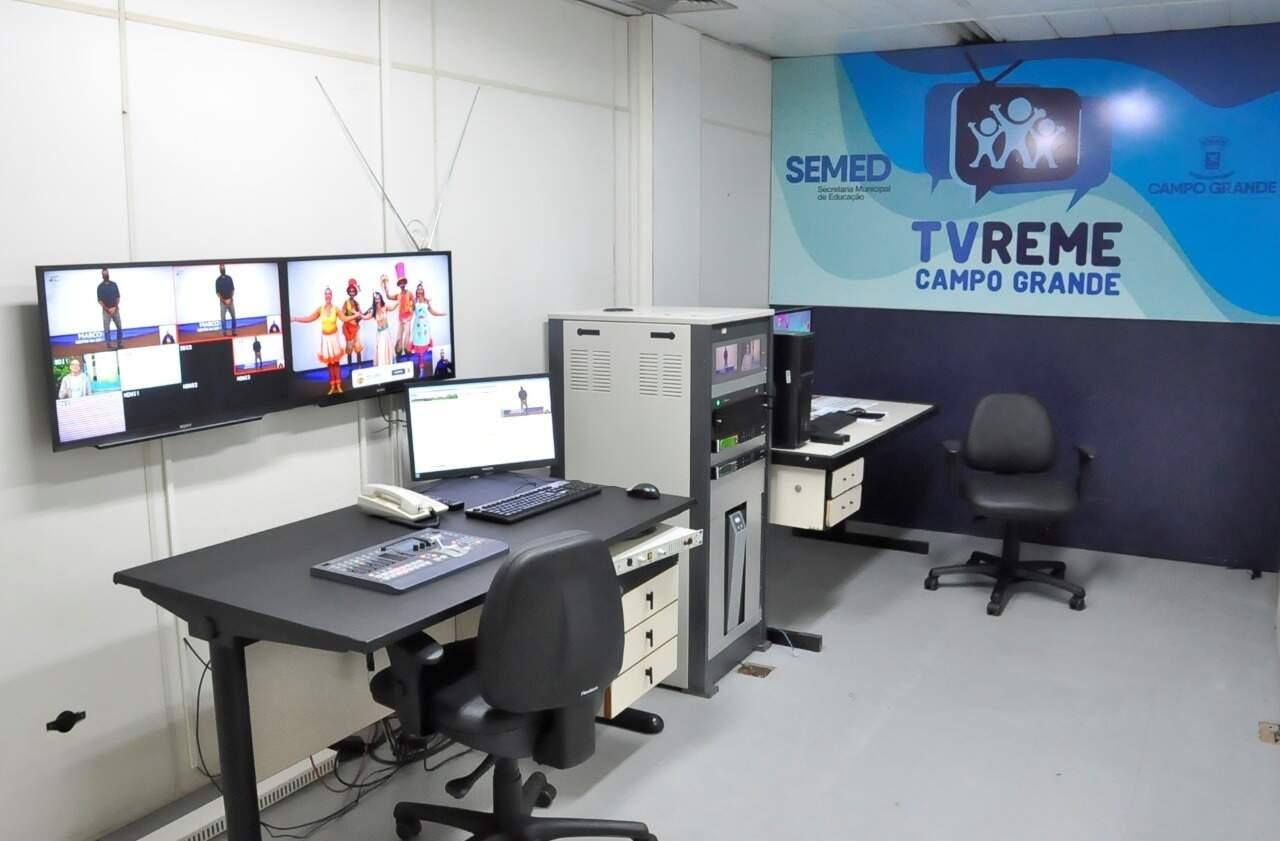 Sala da TV Reme, plataforma criada para aulas remotas em Campo Grande. (Foto: Divulgação)