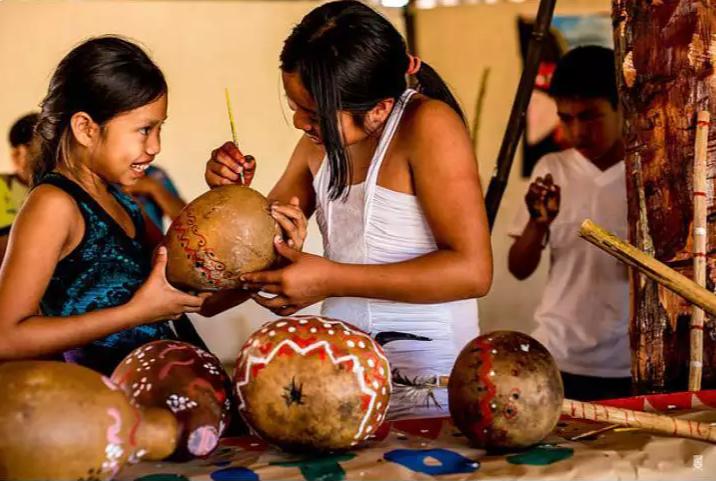 Crianças participam do projeto Sons da Aldeia. (Foto: Luciano Justiniano)