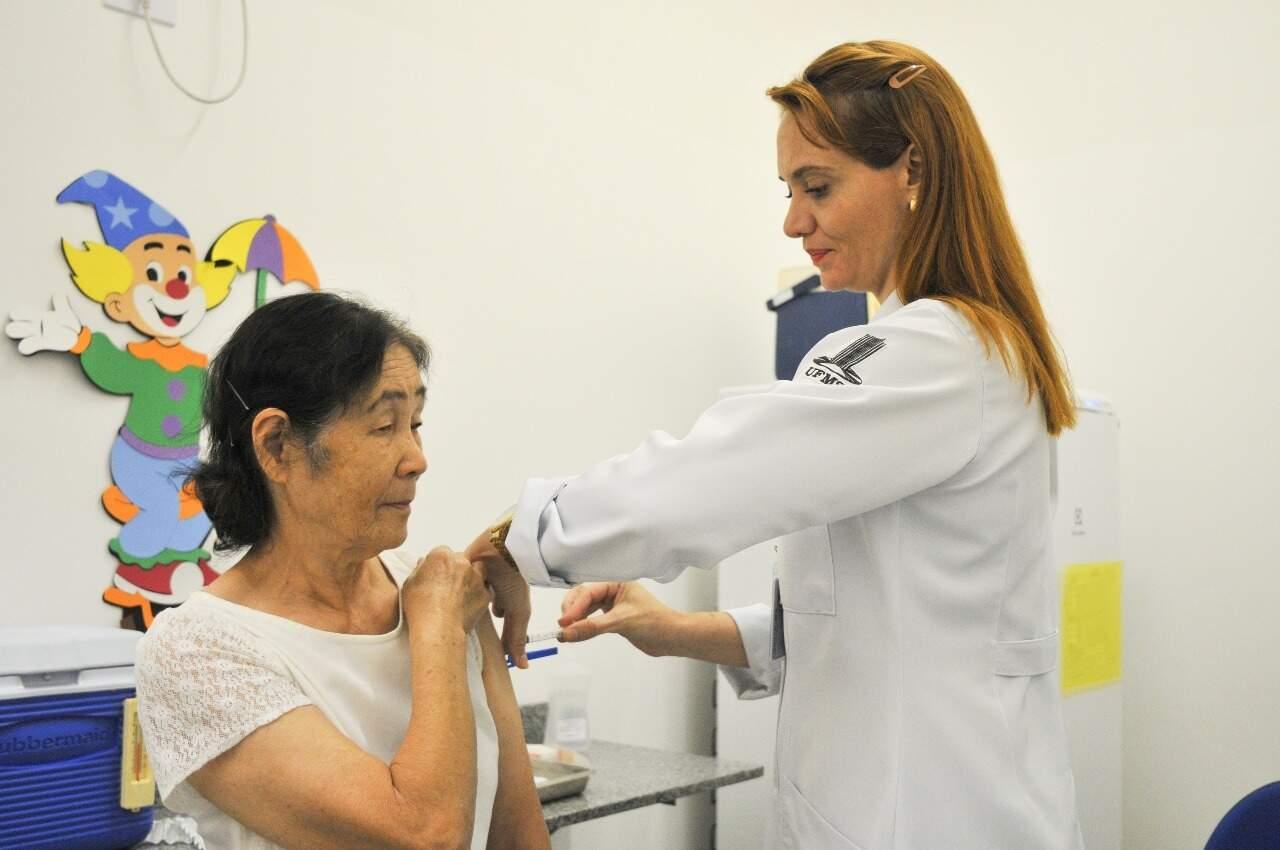 Vacinação contra influenza foi realizada na Clínica Escola Integrada, na UFMS, em Campo Grande (Foto: Divulgação-UFMS)