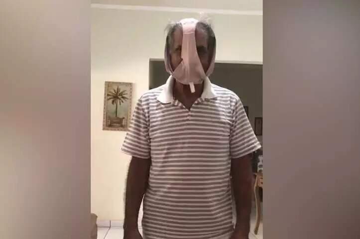 Secretário de Infraestrutura de Coxim, Wilson José dos Santos, fez vídeo usando calcinha como máscara de proteção contra covid (Foto Reprodução)