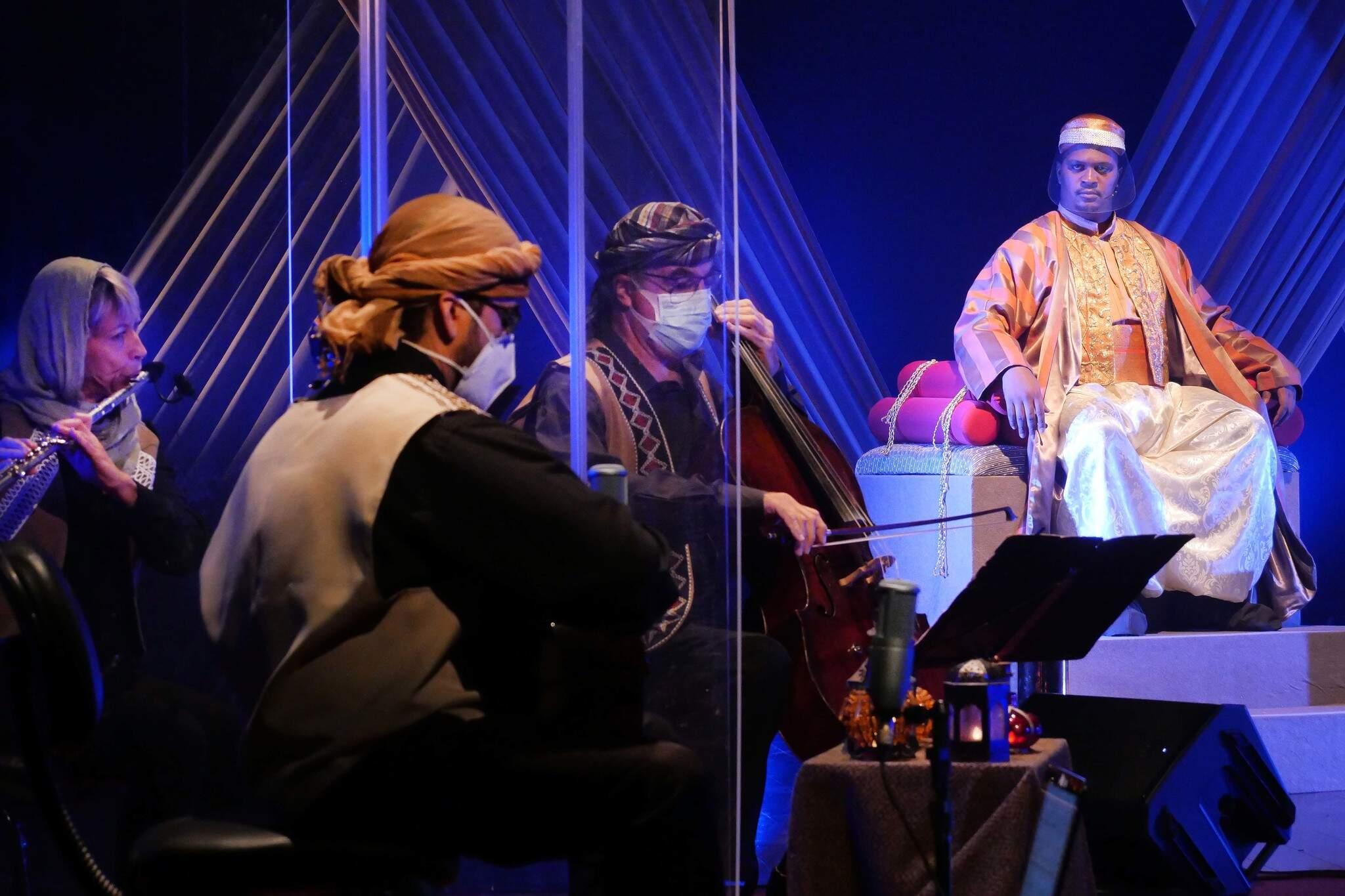 Entre os participantes, tanto músicos quanto os atores utilizaram equipamento de proteção individual (Foto: Guarim de Lorena)