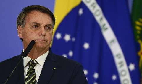 Pesquisa mostra que 29,4% culpam Bolsonaro por cenário crítico da pandemia