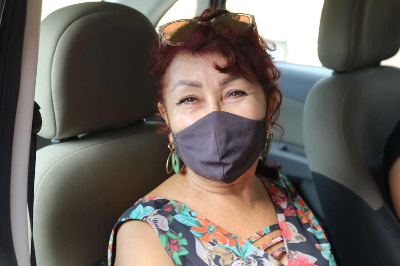 Rosângela Falcão também foi tomar vacina. (Foto: Kísie Ainoã)