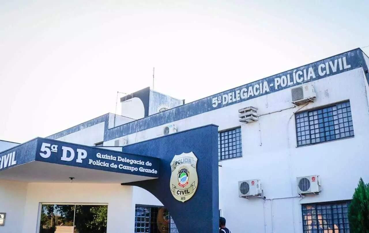 Caso é investigado na 5ª Delegacia de Polícia (Foto: Henrique Kawaminami/Arquivo)