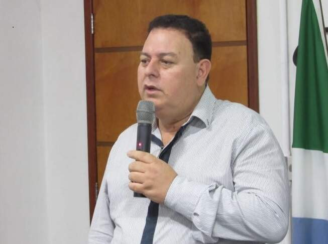 Com mandato vencendo hoje, candidato a reeleição, vereador Jeovani Vieira (PSDB), deixa entidade nas mãos de secretária (Foto DIivulgação)