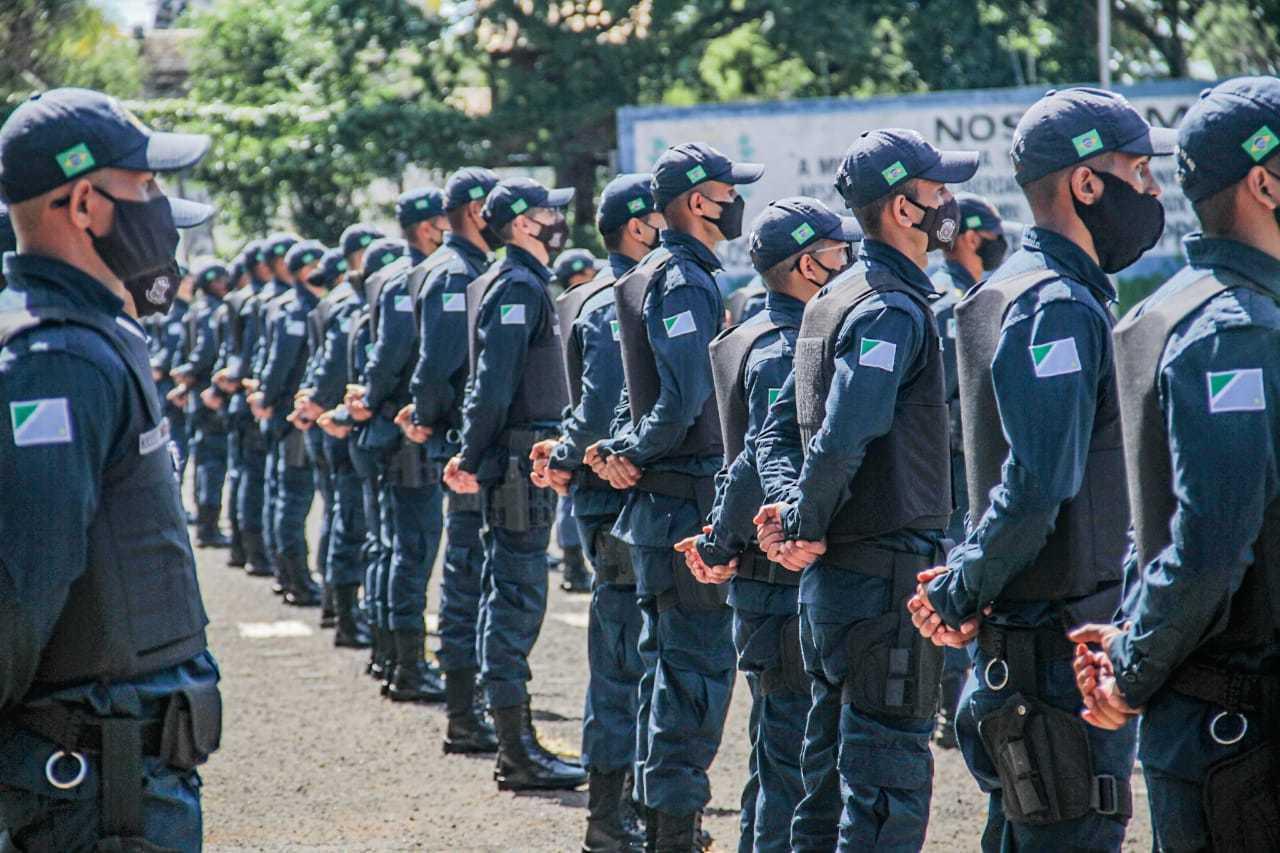 Policiais militares durante cerimônia na Delegacia Geral de Polícia. (Foto: Silas Lima/Arquivo)