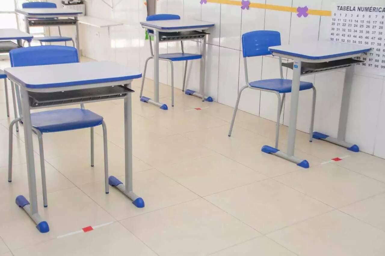 Mesmo com medidas de biossegurança como o distancimento entre carteiras, tem escola que vê pais mais receosos com casos de covid. (Foto: Arquivo/Marcos Maluf)