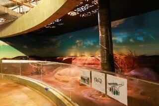 Um dos tanques cenográficos onde peixes deveriam ser alocados. (Foto: Henrique Kawaminami/Arquivo)