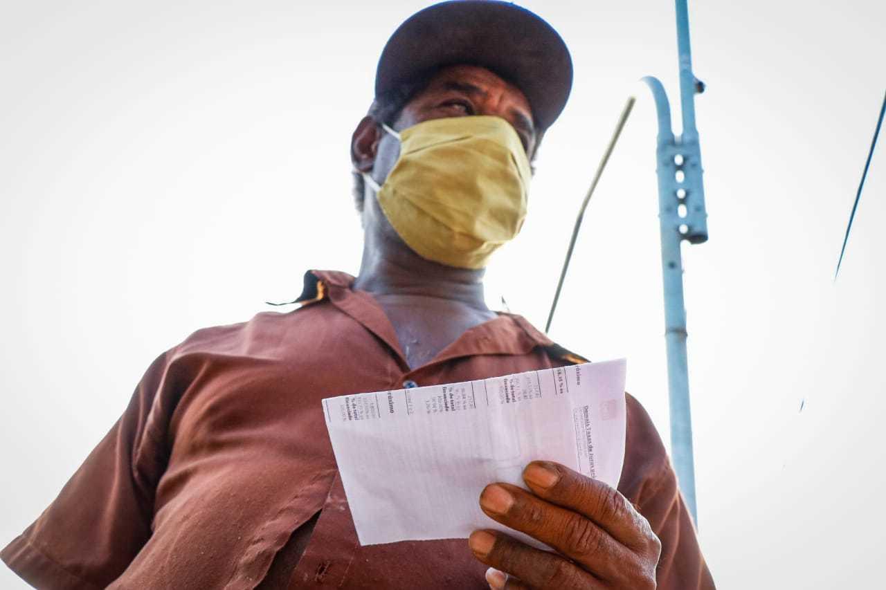 Fechamento de lotéricas prejudicou quem não está acostumado com pagamentos on-line (Foto: Henrique Kawaminami)