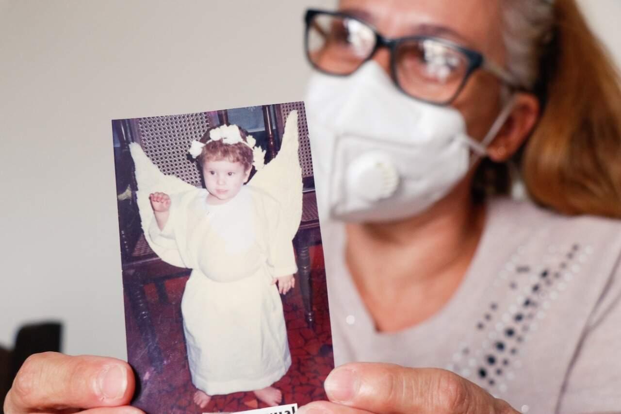 Por causa da covid-19, Andrea foi obrigada a despedir do único filho após 26 anos (Foto: Henrique Kawaminami)