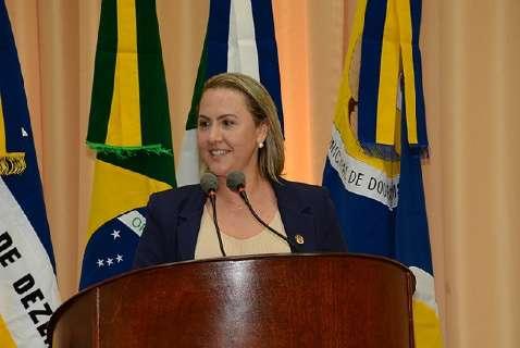 Com carimbo de aliada de ex-prefeita, vereadora desiste de CPI