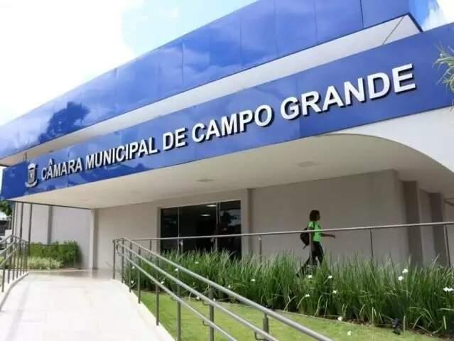 Fachada da Câmara Municipal de Campo Grande. (Foto: Henrique Kawaminami)