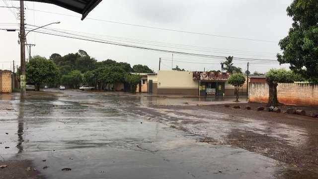 Chuva de 11 milímetros encerra quase um mês de estiagem em Dourados