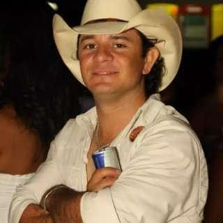 """Cara do sertanejo"" na Capital, morre de covid o promotor Gilson Braúna"