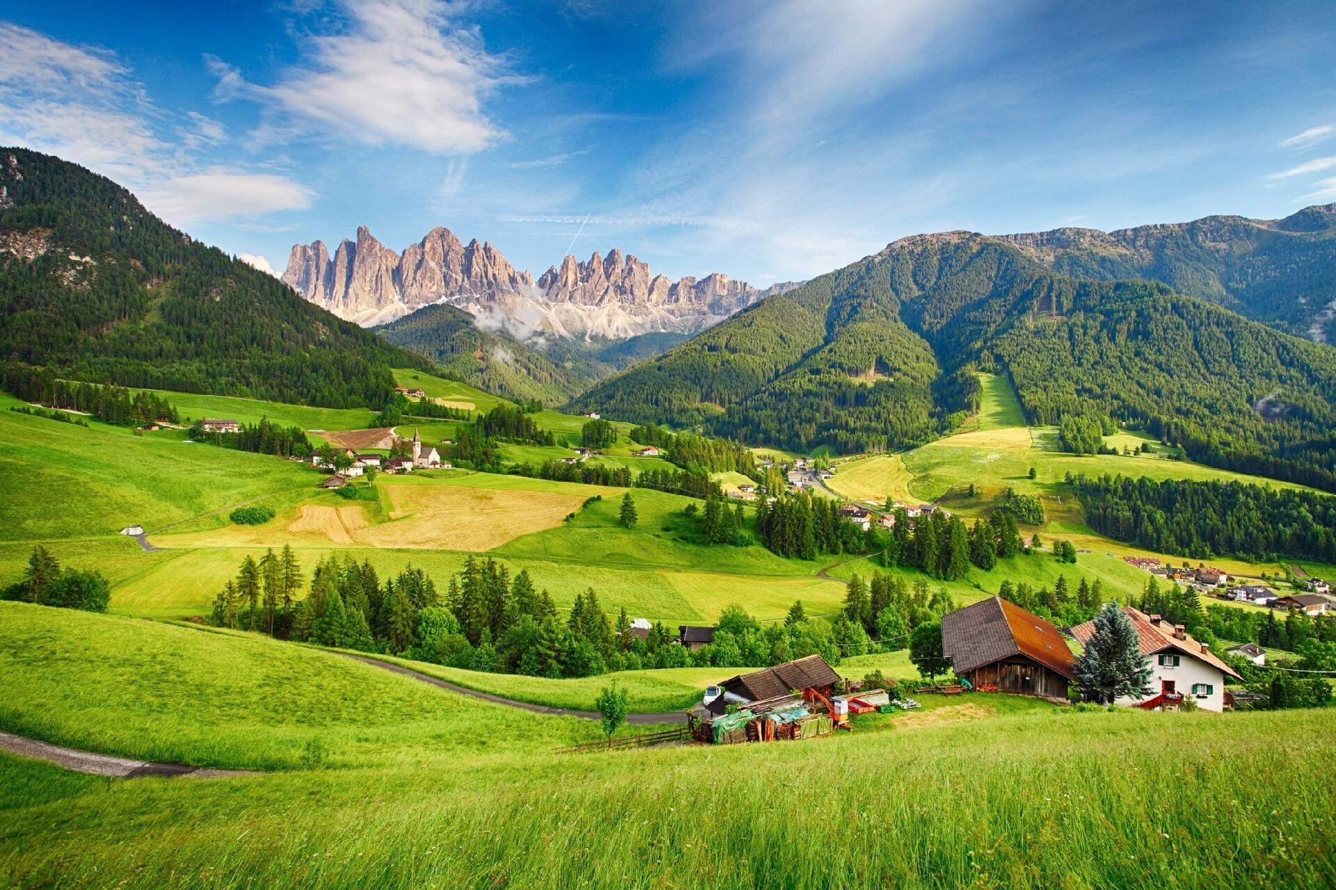 Com cenários que mais parecem uma moldura, Dolomitas fica no norte da Itália (Foto: Reprodução)