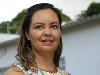 Após a fase de luto da morte do marido, Luciana diz que encontrou em Oton um relacionamento maduro (Foto: Kísie Ainoã)