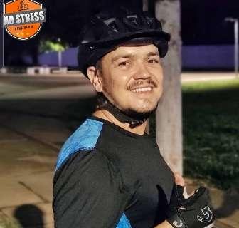 Ciclista morre após ser atropelado enquanto fazia trilha com amigos