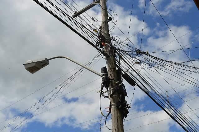 Riscos, fios e cabos de energia soltos: Indenização