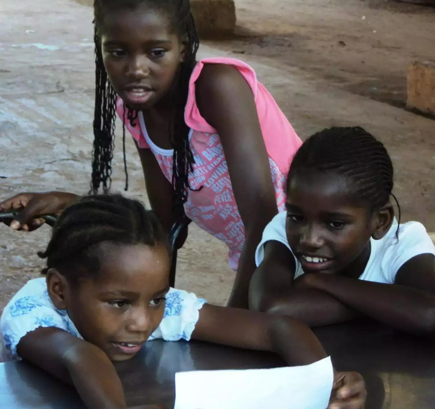 Na comunidade, estudo se trata de uma ferramente de resistência – das crianças aos adultos (Foto: Arquivo Pessoal)