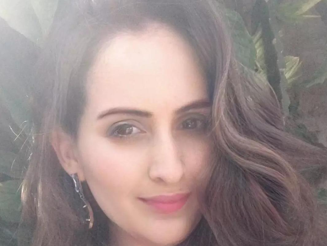 Fernanda Daniele, de 36 anos, foi encontrada morta, vítima de degola. (Foto: Reprodução da rede social)