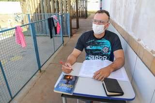 Raphael de Azevedo Nass, de 27 anos, conta que está estudando para concurso. (Foto: Paulo Francis)