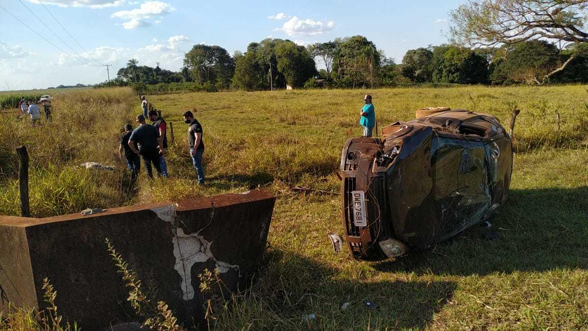 Local onde Ronaldo Nascimento morreu em acidente nesta segunda-feira (Foto: Adilson Domingos)
