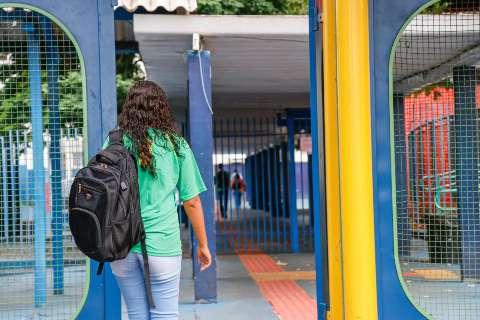 Maioria quer aulas presenciais em julho, mas opiniões se dividem