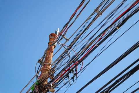 Segundo Energisa, fiação deve ser removida por empresas que compartilham postes