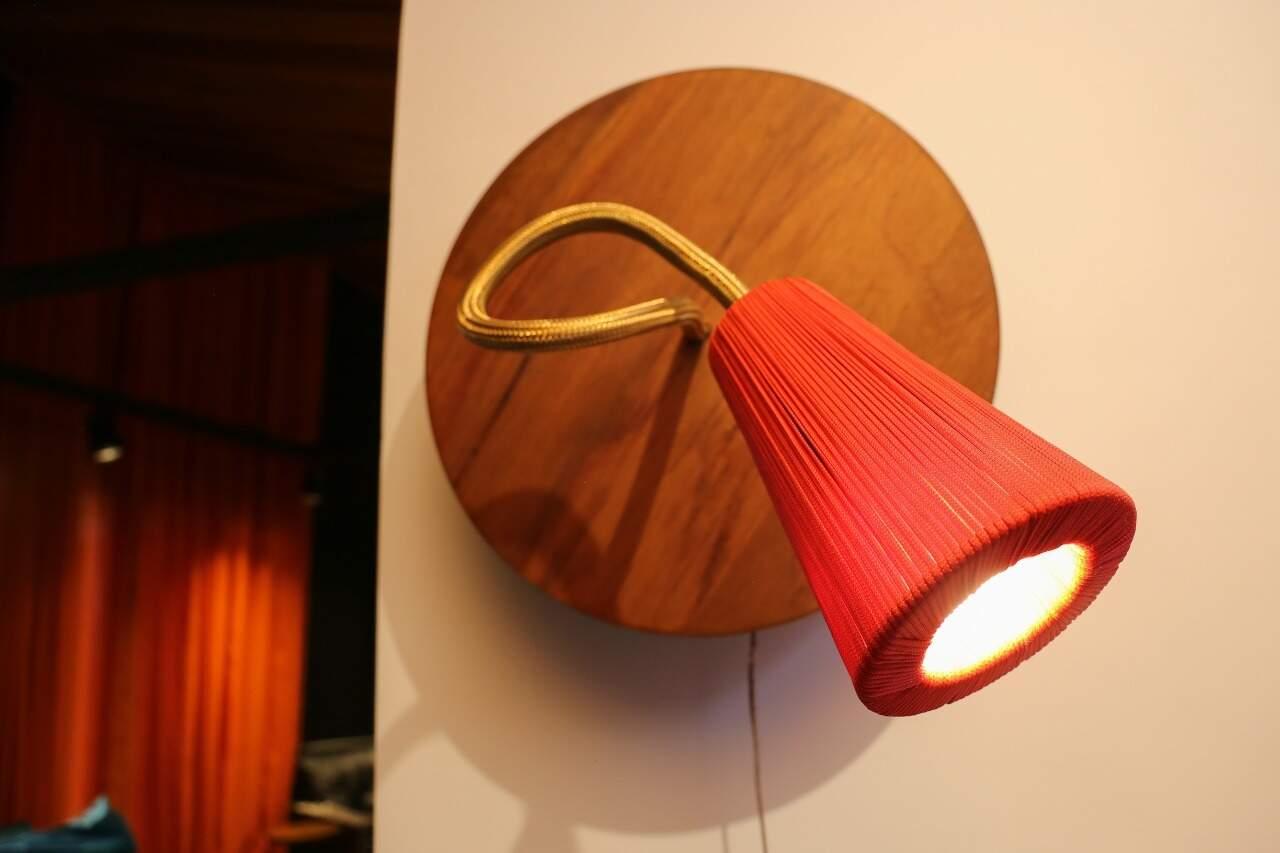 "A luminária ""Aysú"" significa amor em tupi-guarani. (Foto: Paulo Francis)"