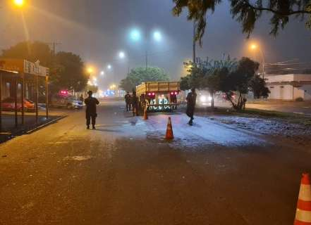 Motorista é sequestrado no Rio e carreta recuperada na fronteira