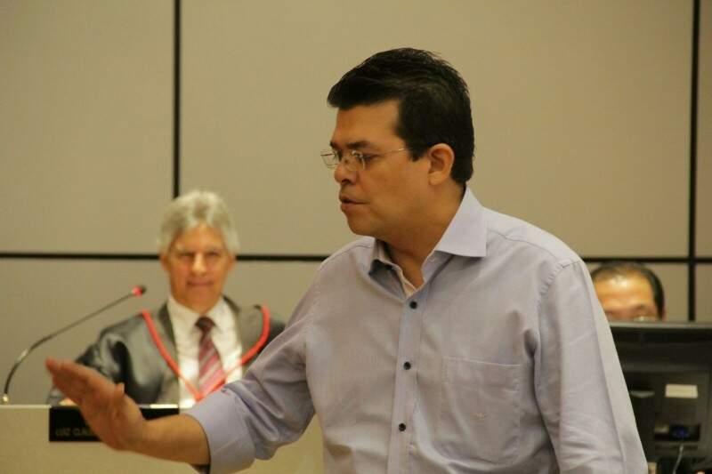 TJ condenou Olarte (de camisa) por corrupção e lavagem de dinheiro. (Foto: Arquivo)