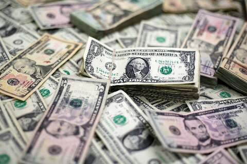 Dólar fecha a R$ 5,23 em dia volátil na expectativa por agenda da semana