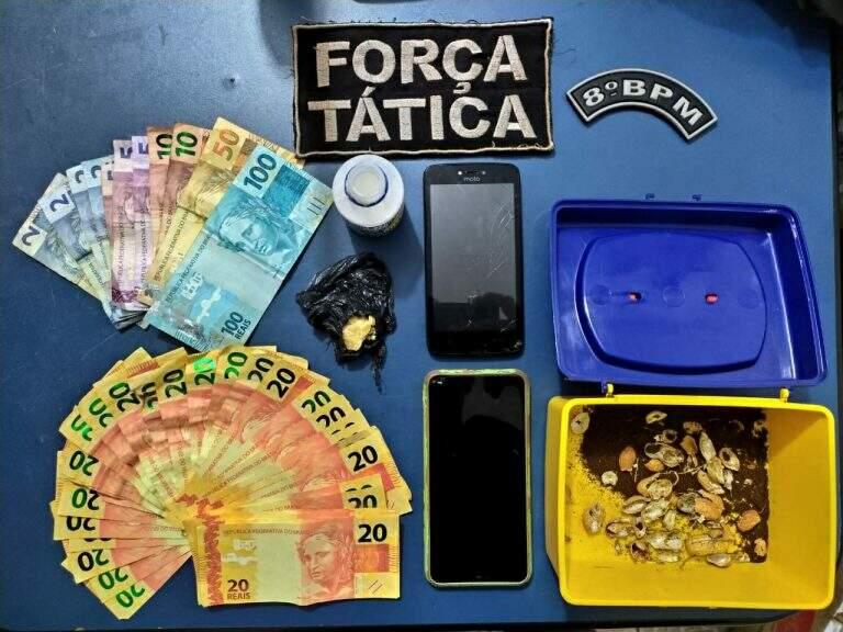 Dois são presos com 700 reais falsos comprados pela internet
