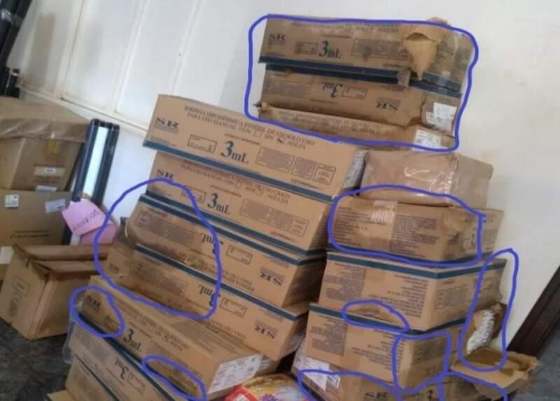 Caixas com seringas e agulhas entregues ao Polo Base de Dourados (Foto: Reprodução)