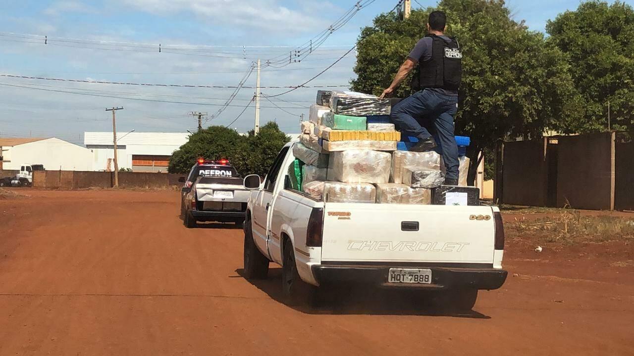 Droga apreendida pela Polícia Civil esta manhã em Dourados. (Foto: Divulgação Defron)