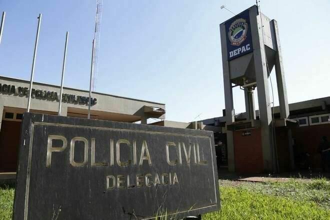 Frente da Depac (Delegacia de Pronto Atendimento Comunitário) de Dourados, onde o caso foi registrado. (Foto: Divulgação)