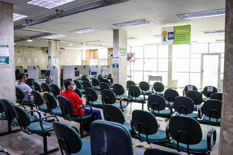 Funtrab encerra a semana com 231 vagas de emprego na Capital