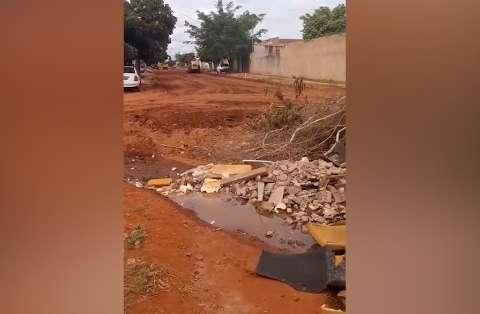 Leitora se surpreende ao saber que apenas parte de rua será asfaltada