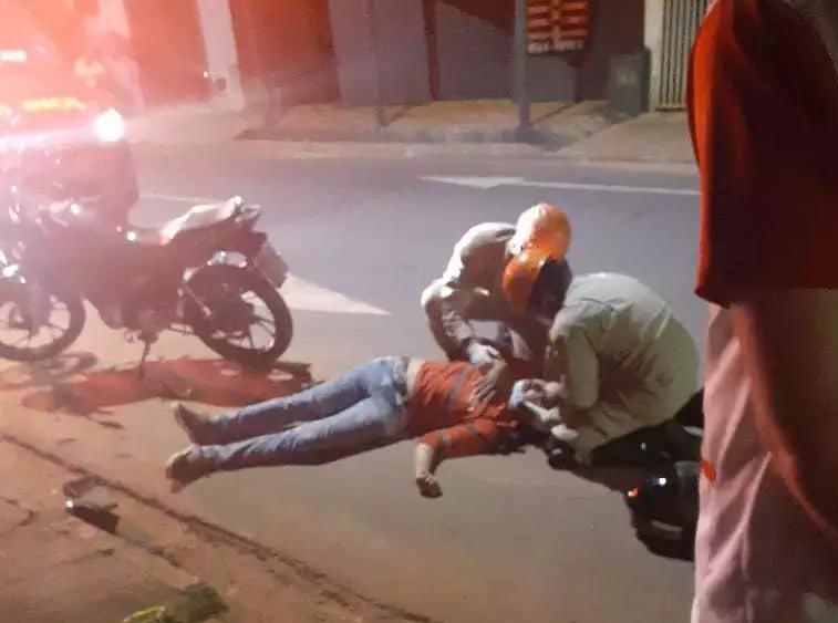 Dia em que motoqueiro foi fechado por carro. (Foto: Direto das Ruas)