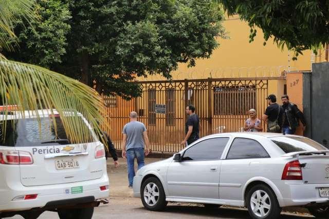 Suspeito de assassinato de artista plástica morre em troca de tiros