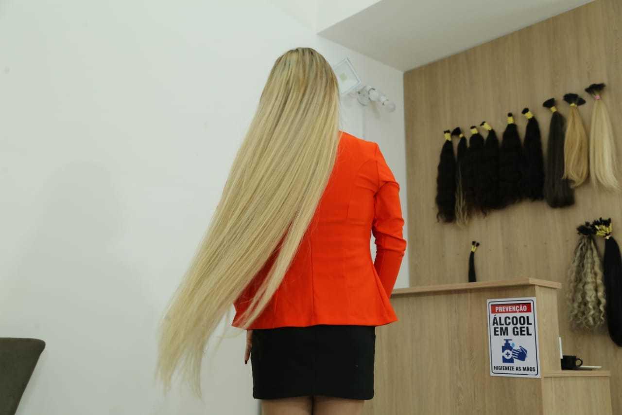 """Dayane deseja que o cabelo """"de metro"""" vire tendência. (Foto: Kísie Ainoã)"""