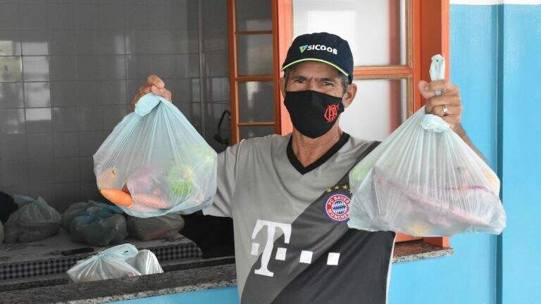 Kit de verduras foram preparados por agricultores locais (Foto: Divulgação/Semed)