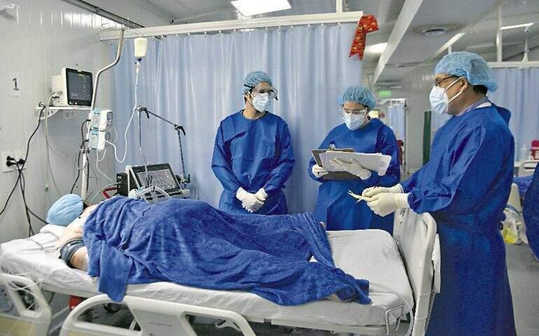 Paciente com covid-19 internado em hospital do Paraguai (Foto: ABC Color)