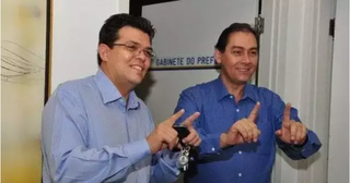 Bernal foi cassado pela Câmara em 2014 e sucedido pelo vice Gilmar Olarte (à esquerda). (Foto: Arquivo)